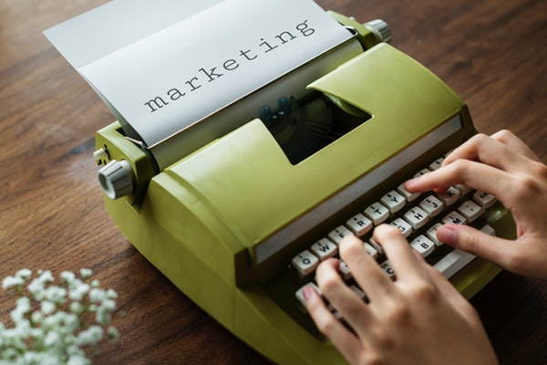 hacer un brief de marketing online